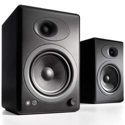 this image shows one of the top bookshelf speakers under five hundred dollars